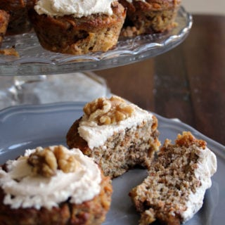 Low Carb No Sugar Carrot Cake Muffins - Grain free, packed with carrots and sweetened with banana. Super-moist and so easy to make #glutenfree #grainfree #sugarfree #carrotcake #lowcarb #LCHF