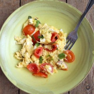 The humble scrambled egg gets an asian-style makeover that will knock your socks off: Vietnamese scrambled eggs with fish sauce is a true taste revelation. #vietnamese #scrambledeggs