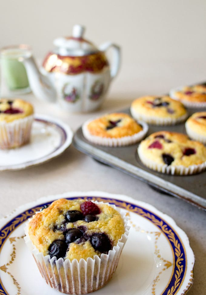 Do you want a quick low carb and sugar free breakfast that is perfect for busy weekday mornings? Say hello to these Grab & Go Low Carb Muffins!