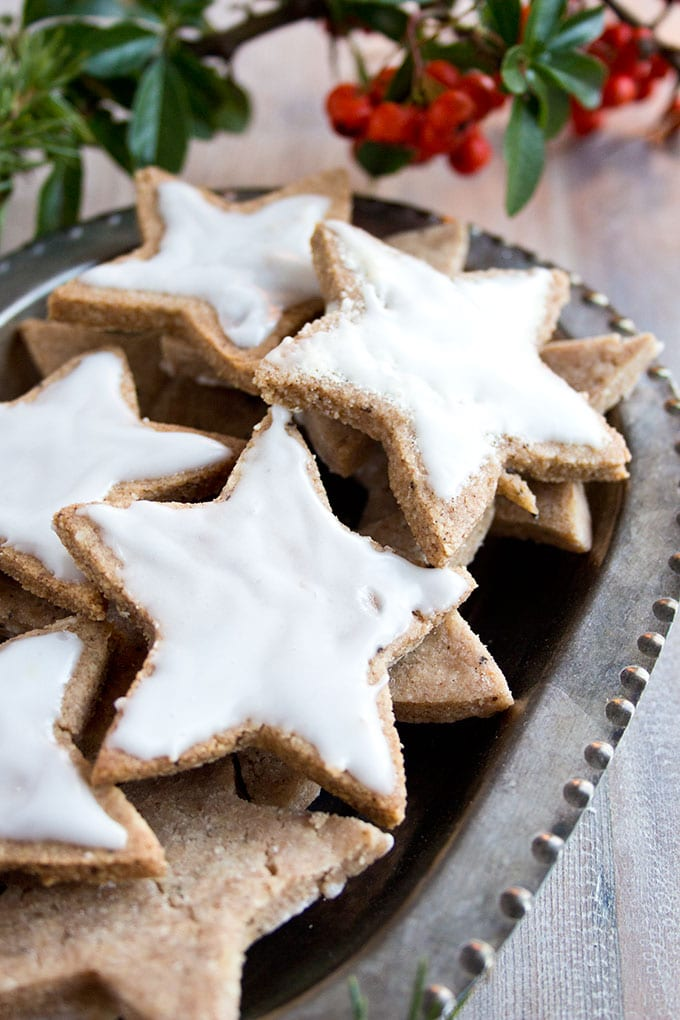 german cinnamon star cookies with sugar free icing
