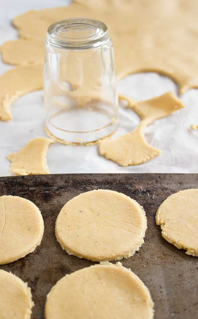 Making round Paleo low carb crackers with a glass