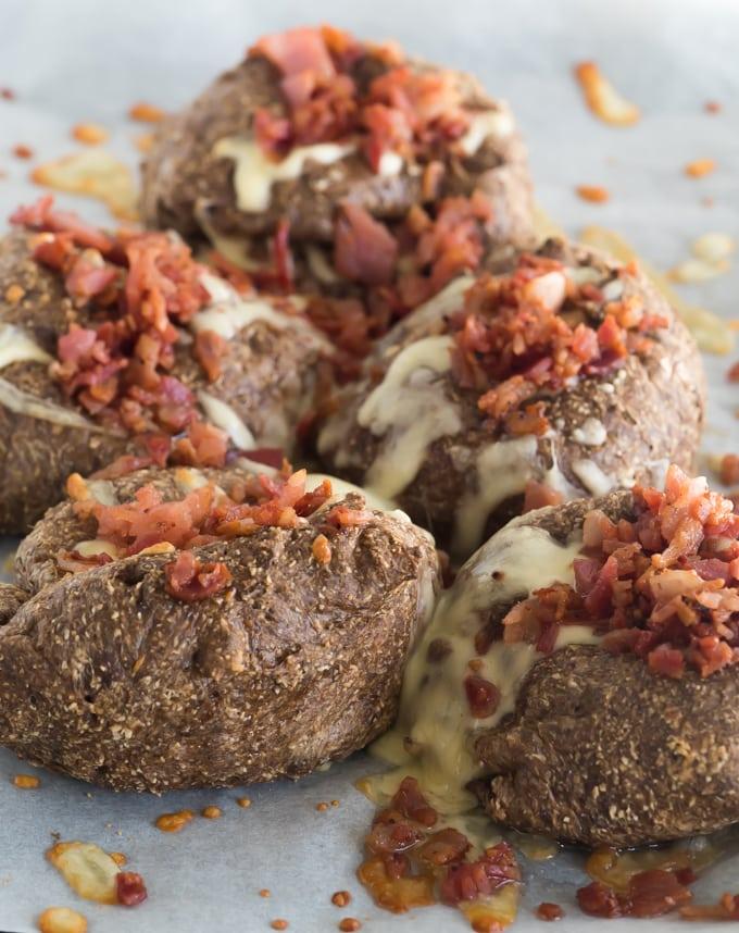Cheesy Bacon Bread Rolls – Ketogenic Recipe