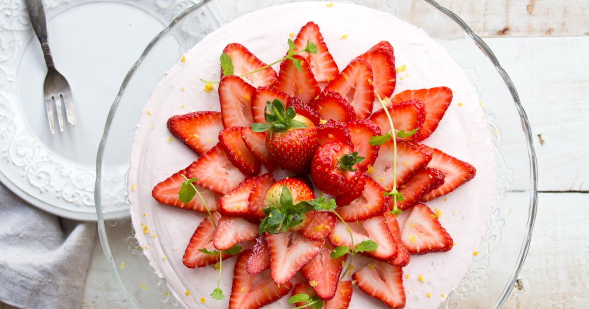 Give the oven a break with this fruity and easy no bake low carb strawberry cheesecake. It has an almond crust which also makes it gluten free.