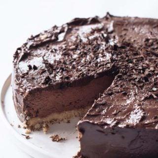 keto chocolate cheesecake on a plate