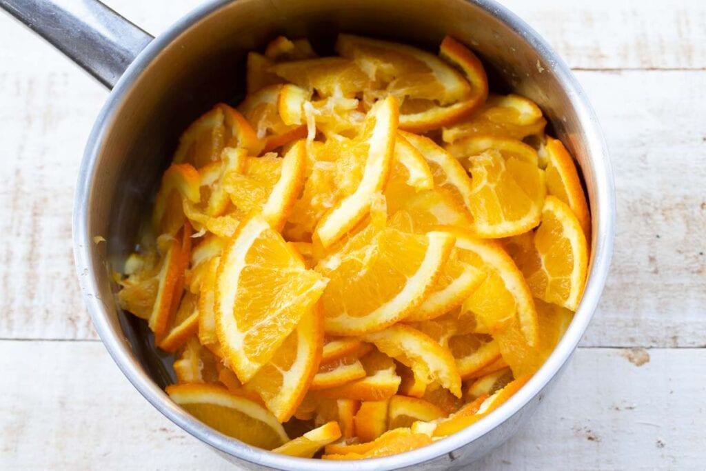 orange slices in a saucepan