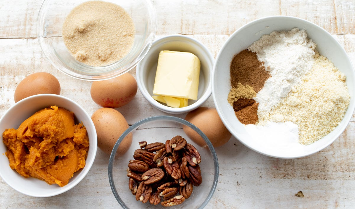 pumpkin puree, pecans, nut flours and other ingredients to make this recipe measured into bowls