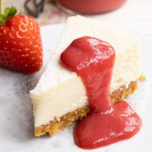 keto strawberry sauce on cheesecake